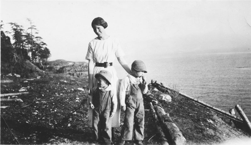 Helen Hastin with her sons, Phil and Bud. Both Helen and Phil recorded oral histories for LIHS.