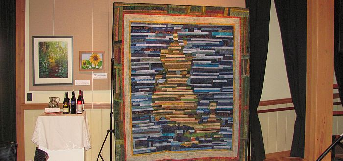2011_LIHS Big Event-Signature Quilt- photo by Karen Alexander 700 x 330